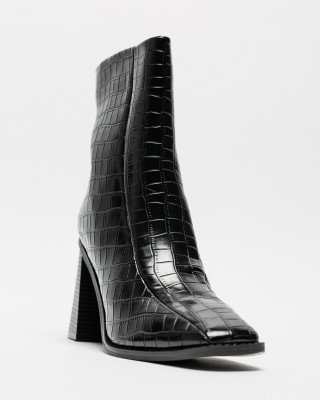 Vickie Boot